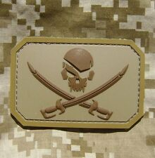 PIRATE SKULL 3D PVC FLAG ARMY MORALE TACTICAL MILITARY BADGE DESERT HOOK PATCH