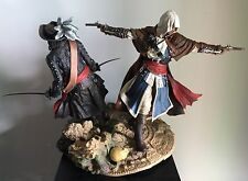 "2 X Assassin's Creed 4 9"" Vinyl Figure Statue Edward Kenway and Blackbeard Loose"