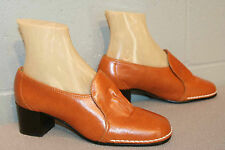 NOS 7 M Vtg 70s MOD Butterscotch Gold White Slip-On Chunky High Heel Bootie Shoe