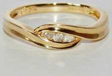 UK HALLMARKED 9 CT YELLOW GOLD 0.10ct DIAMOND 3 STONE TRILOGY RING size L