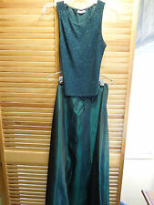 FORMAL GOWN Womens 2 piece Size 9/10 Emerald sequined scoop neck full length