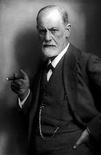 Framed Print - Sigmund Freud (Picture Poster Neurologist Psychology Doctor Art)