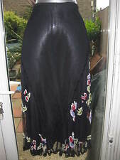 BEAUTIFUL FRENCH CONNECTION BEADED SKIRT BNWOT SIZE 10