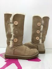 UGG Bailey Button Triplet 1873 Sand Suede Sheepskin BOOTS Size 8