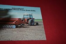 International Harvester 7100 7200 Shovel Press Grain Dril Dealers Brochure YABE3