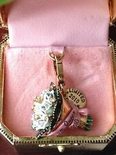 BRAND NEW! JUICY COUTURE PROM QUEEN BOUQUET BRACELET CHARM IN TAGGED BOX