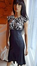 TO DIE FOR BEBE silk keyhole bodycon corset dress black and white NWT $189 XS