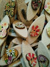 JOB LOT 50 HANDMADE MULTI PATTERNED/COLOURED WOODEN HEART BROOCHES - favours etc