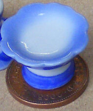 1:12 Scale A Blue & White Ceramic Cake Stand Dolls House Miniature Accessory B4