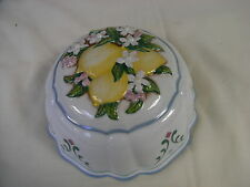 Le Cordon Bleu Porcelain Decorative Round Kitchen Mould with Lemons on Top (D)