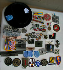 Army large lot: beret, crests, ribbons, mini medals etc  (My info = A3 box)