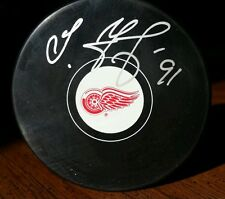 SERGEI FEDOROV Signed Detroit Red Wings Puck