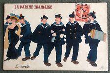CPA. 1914. LA MARINE FRANÇAISE. En Bordée. Marins. Jeune Femme. Accordéon. Béret