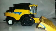 1/64 ertl custom new Holland cr9080 combine with smarttrax 2 tracks farm toy