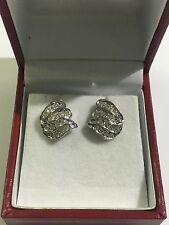 14k White Gold And Diamonds Earrings