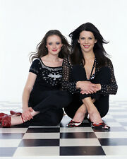 Lauren Graham & Alexis Bledel (8050) 8x10 Photo
