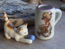 Spielendes Kätzchen und Krug mit Sarah Kay Motiv Puppenstube Puppenküche