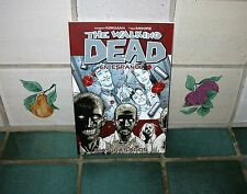 THE WALKING DEAD VOLUME 1 (EN ESPANOL)