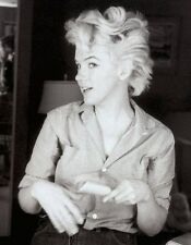Marilyn Monroe , Marilyn in a great B/W photo.