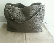 Superbe Sac a main BOTTEGA VENETA New Light Grey en NAPPA ! Prix Neuf : 2100 €