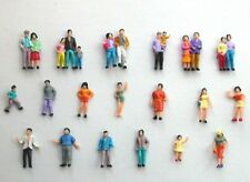 F9 h0 - 26 pièces figurines 19 personnages aussi couples 1:87