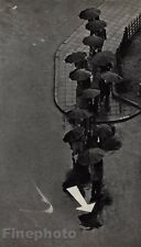 1968/72 Vintage 11x14 RAINY DAY TOKYO Sidewalk Street Arrow Art BY ANDRE KERTESZ