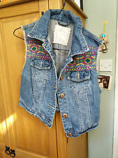 BOHO EMBROIDERED SLEEVELESS DENIM JACKET WAISTCOAT SZ 12 BOHO HIPPY GYPSY FOLK