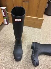 Hunter Tall Extended Calf Black Rubber Rain Boots UK 7, EU 40/41 US 8M/9F