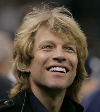 Jon Bon Jovi UNSIGNED photo - D1913 - SEXY!!!!!