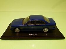 UNIVERSAL HOBBIES BMW M5 E39 - METALLIC BLUE 1:43 RARE - GOOD CONDITION ON STAND