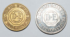 2 x Douwe Egberts Professioneel BV nickle collectible Token - 23mm + D E 20mm