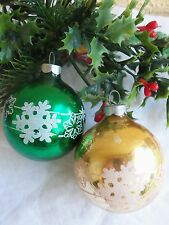 VINTAGE 2 MERCURY BLOWN GLASS STENCILED SNOWFLAKES CHRISTMAS BALL ORNAMENTS