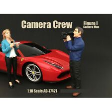 CAMERA CREW FIGURE I CAMERA MAN FOR 1:18 SCALE MODELS BY AMERICAN DIORAMA 77427