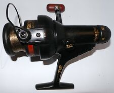 FISHING : SET OF 3 FISHING REELS, BOX AND SOME REEL.                    REF: C81
