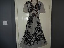 Ladies  Stunning PER UNA    Boho Floaty Occasion    Dress Size 18