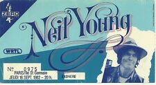 RARE / TICKET DE CONCERT - NEIL YOUNG : LIVE A PARIS ( FRANCE ) SEPTEMBRE 1982