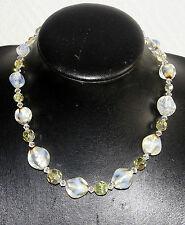 collier ancien ras de cou en pâte de verre opalescent