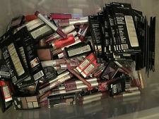 L`OREAL ,MAYBELLINE & REVLON 100 PIECES WHOLESALE LOT. ASSORTED ITEMS AND COLORS