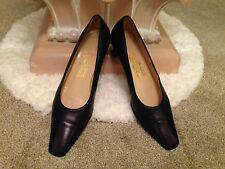 Ladies SALVATORE FERRAGAMO navy leather pump with square toe UK 6.5 'B'  EU 39.5
