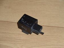 TRIUMPH DAYTONA 675 TRIPLE OEM 2-PIN INDICATOR RELAY SWITCH 2006/2007/2008