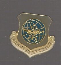 Pin's Armée américaine / insigne du MAC Military Airlift Command (Air Force)