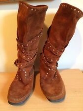 Women's Boots Mukluks Minnetonka Moccasins Suede Cross Straps w Studs