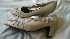 Womens size 6 cream chunky heeled shoes, used, PLEASE READ