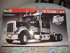 Revell Peterbilt 359 'Black Magic' 1/25 Camión de modelo de escala