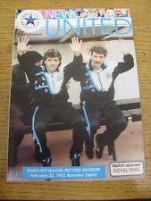 22/02/1992 Newcastle United V Barnsley (piegati, acqua danneggiata); Condizione: Lis