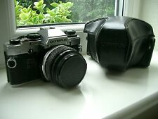 OLYMPUS OM10 35MM CAMERA WITH 50MM LENS AND CASE - SPARES REPAIR
