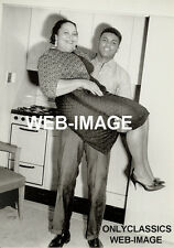 1960 BOXING CHAMP BOXER MOHAMMED ALI HOLDS HIS MOTHER IN KITCHEN PHOTO AMERICANA