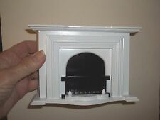 WONDERFUL MINIATURE  FIREPLACE - WHITE - DOLL HOUSE MINIATURE