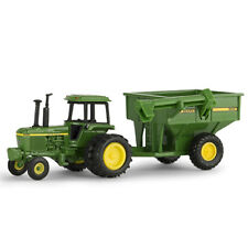 NEW John Deere 4430 Tractor with John Deere 500 Grain Cart 1/64 Scale (53305)