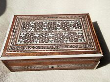 LOVELY OLD INLAID WOODEN CIGARETTE BOX MOP INTRICATE MOSAIC WORK LOCK BUT NO KEY
